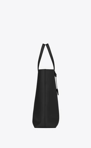 bold shopping bag in soft leather
