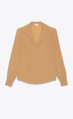 blusa con cuello abierto de crepé de seda china