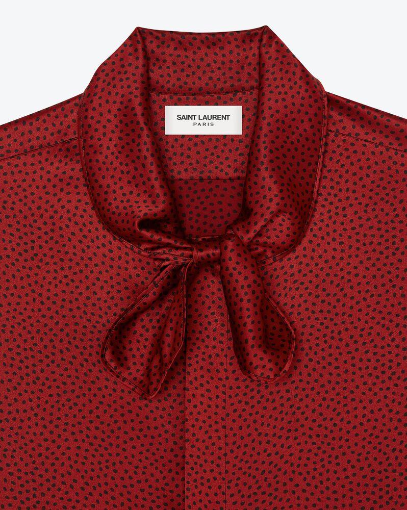 chemise lavallière à pois en satin de soie