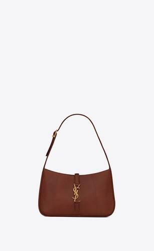 le 5 à 7 hobo bag in lizard shiny leather