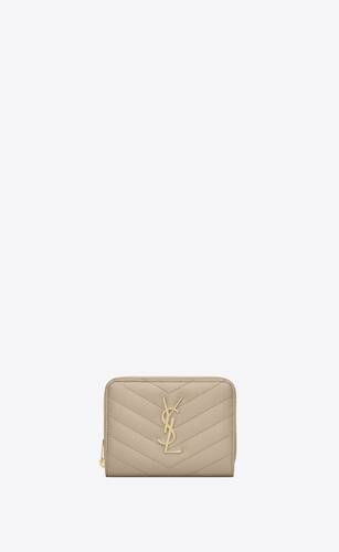cartera compacta monograma con cremallera integral de piel repujada grain de poudre