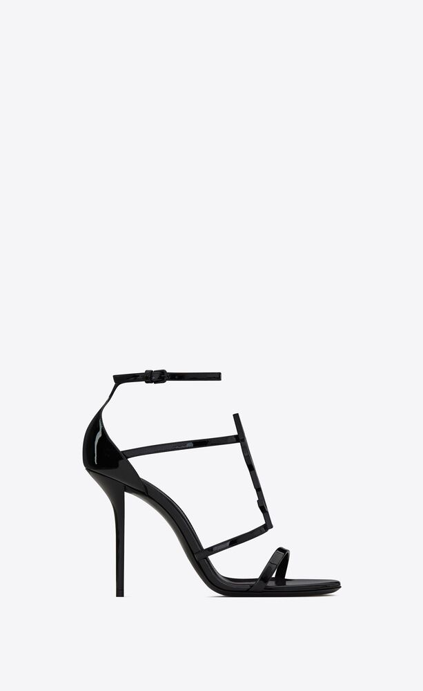 cassandra sandals in patent leather with black monogram