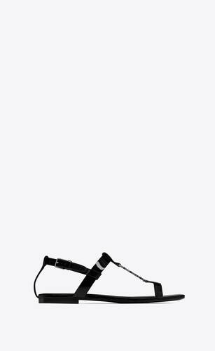 cassandra flat sandals in patent leather with silver-tone monogram