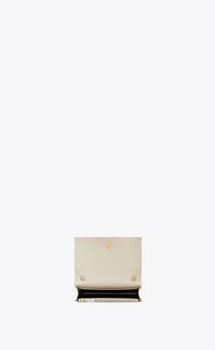 kate chain wallet aus leder mit grain-de-poudre-struktur