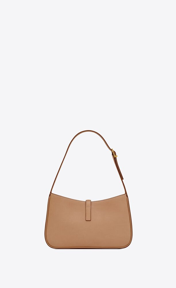 le 5 à 7 hobo bag in vegetable-tanned leather