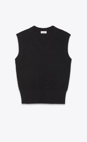 sleeveless sweater in diamond-patterned wool