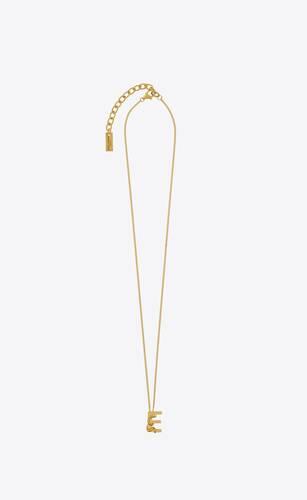 letter e pendant necklace in 18k gold