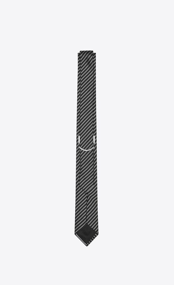 narrow tie in silk jacquard with paris stripes