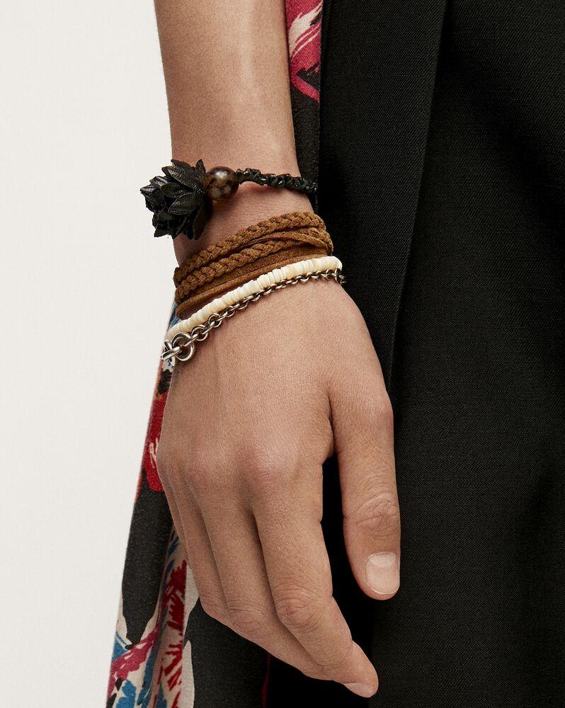 mehrsträngiges armband aus wildleder, muscheln und metall