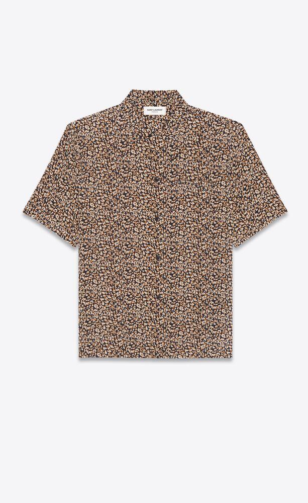camisa de cuello italiano de crepé de seda china con motivo de leopardo