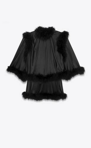 robe courte à volants en satin de soie et plumes