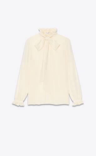 blouse à col lavallière et volants en crêpe de chine de soie