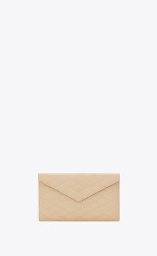 sade tasche mit überschlag aus lammleder mit quadratischer steppung
