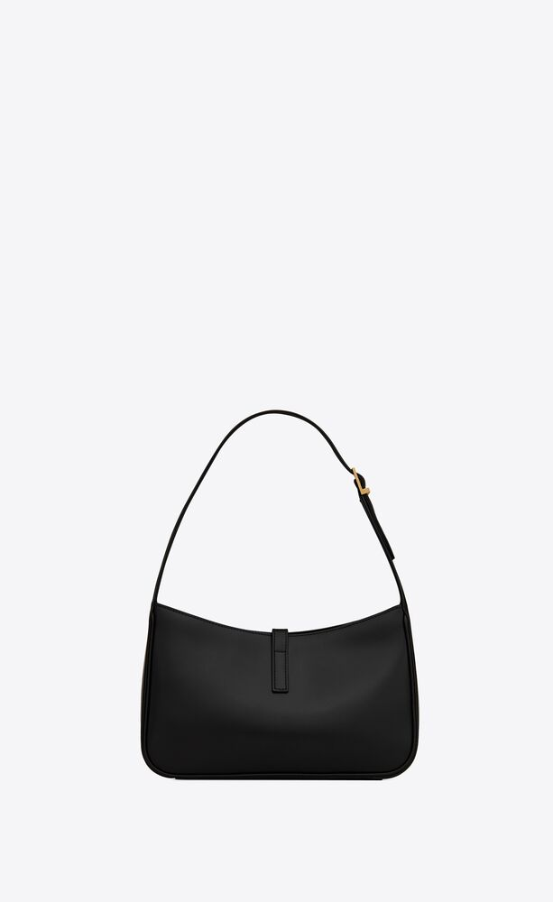 le 5 à 7 hobo bag in smooth leather