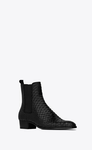wyatt chelsea boots in lacquered python