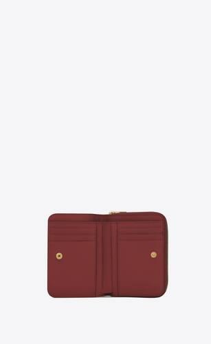 kompakte brieftasche mit reißverschluss aus mattem leder