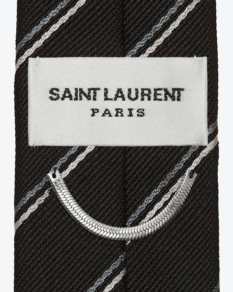 cravate fine à rayures en soie