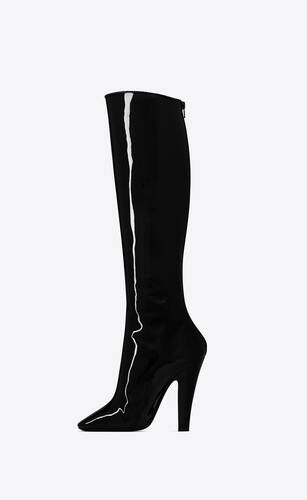 68 boots in patent leather