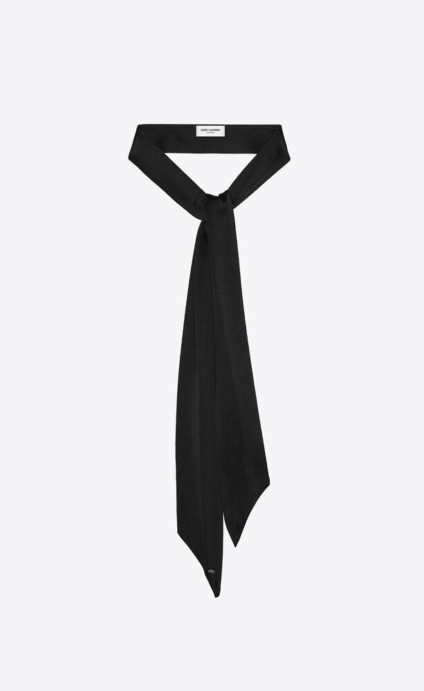 short lavallière scarf in silk satin