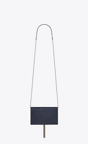 kate chain wallet avec pompon en cuir brillant embossé crocodile