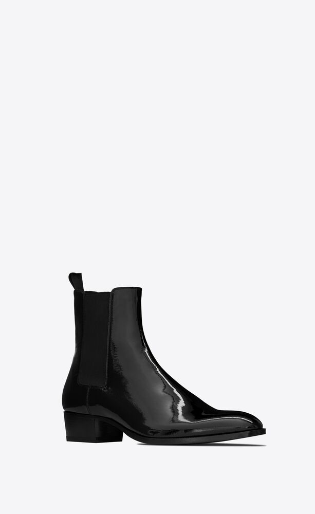 wyatt chelsea boots in patent leather