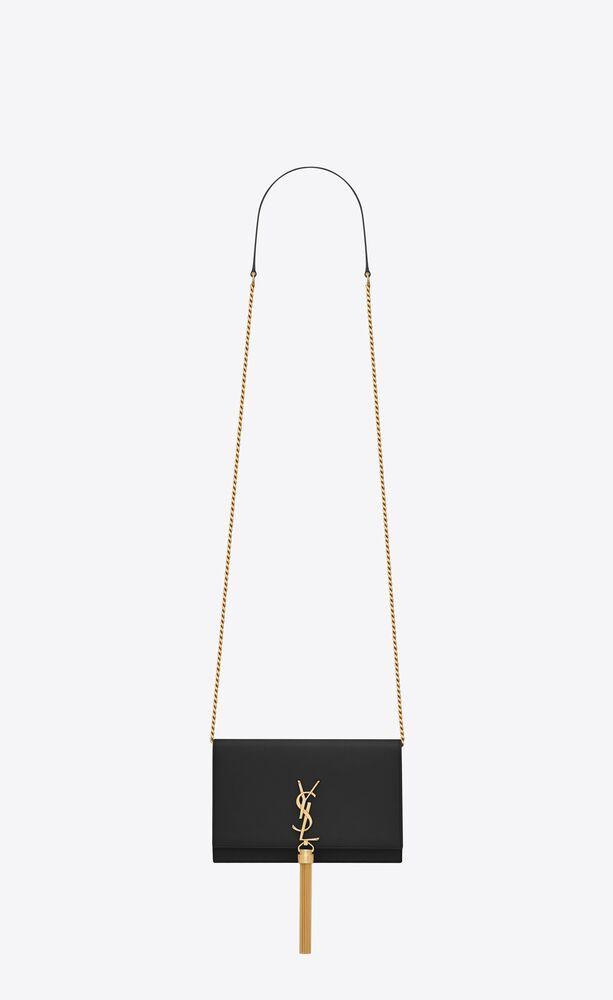 블랙 가죽 소재의 클래식 케이트 모노그램 생 로랑 태슬 체인 지갑