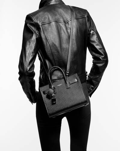 classic sac de jour nano in grained and smooth leather