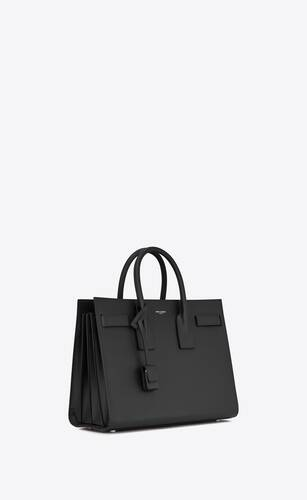 classic sac de jour small in grain de poudre embossed leather